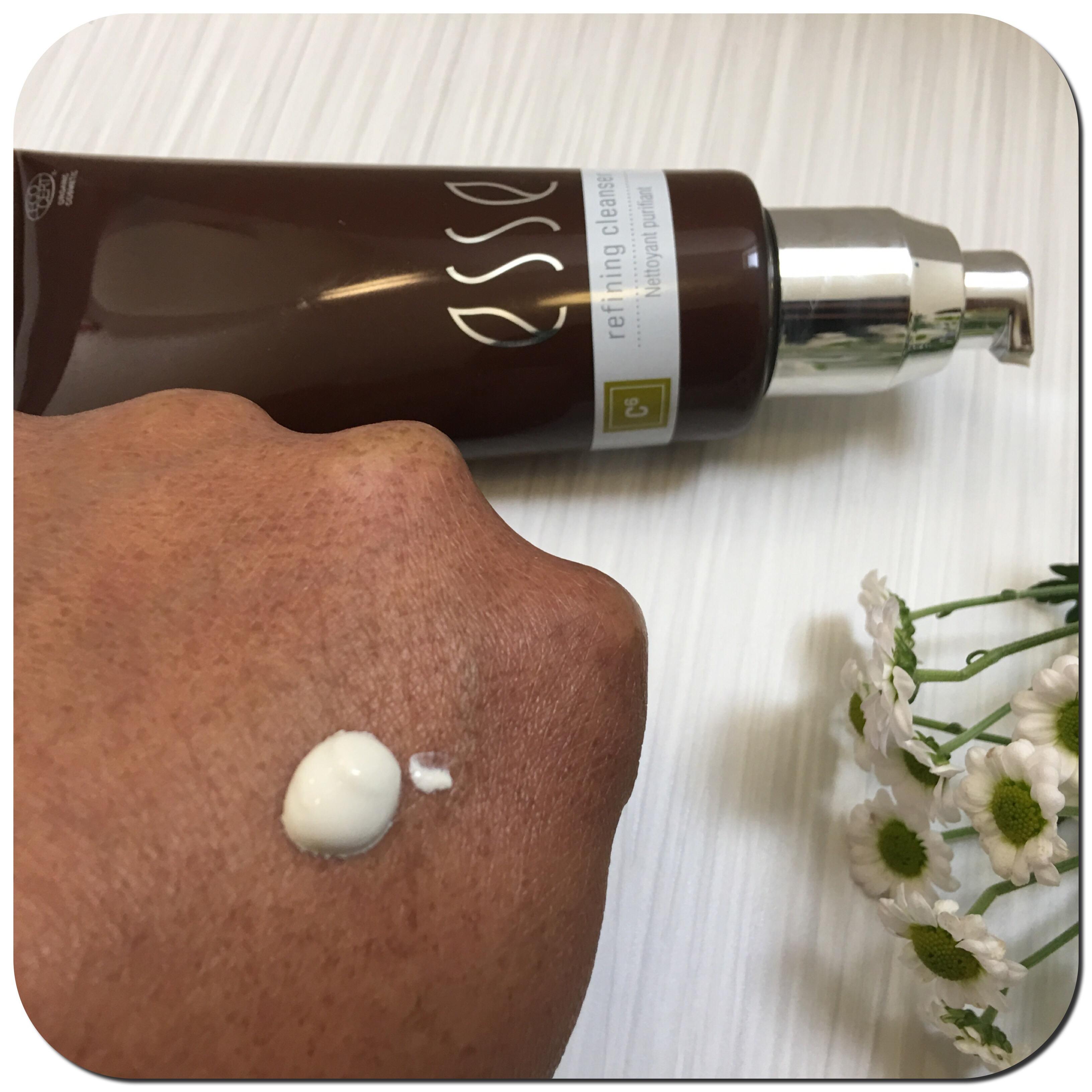 Esse probiotic skincare refining cleanser