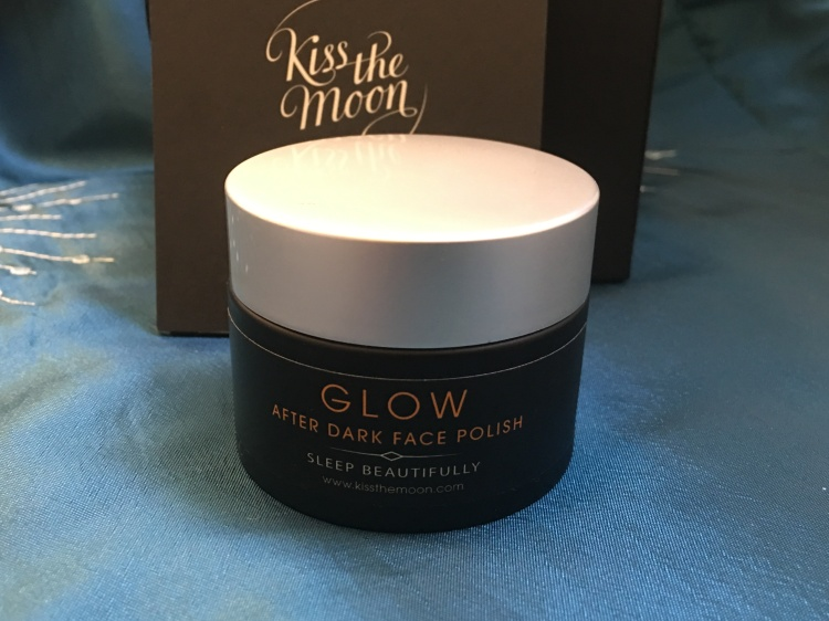 Kiss the moon glow after dark face polish