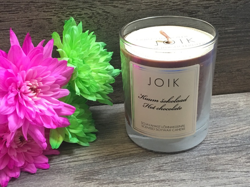JOIK Hot Chocolate soy wax scented candle