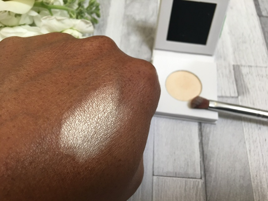 PHB Ethical Beauty Pressed Mineral Eyeshadow - Almond