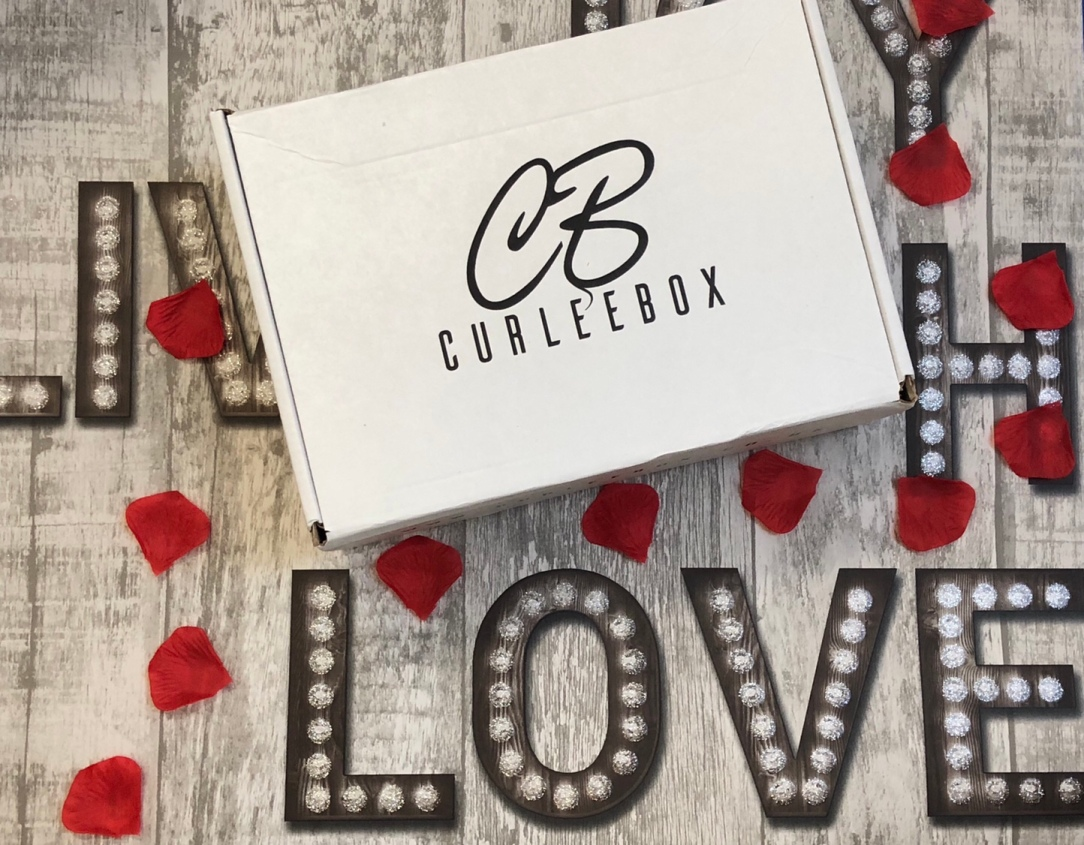 curlee box February - Flora & Curl Exclusive