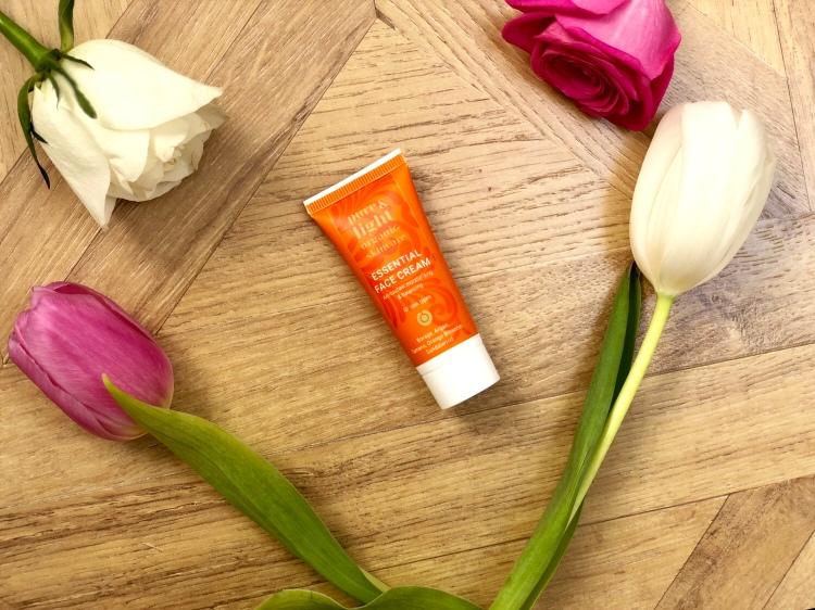Pure & Light Organic Essential Face Cream