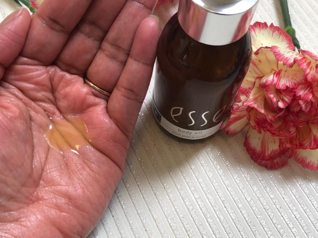 ESSE body oil