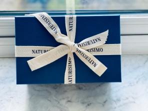Naturisimo The self love discovery box